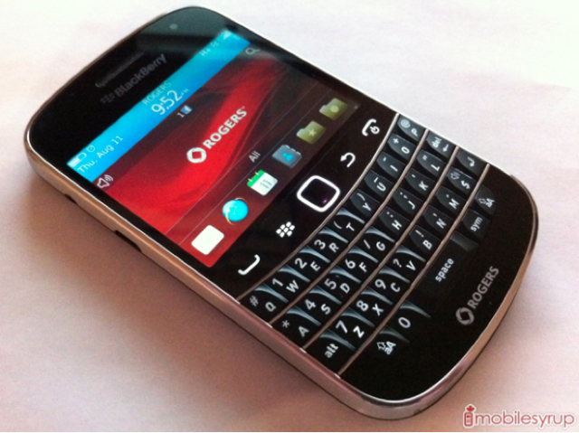 BlackBerry CEO confirms Bold 9900 re-release, three new
