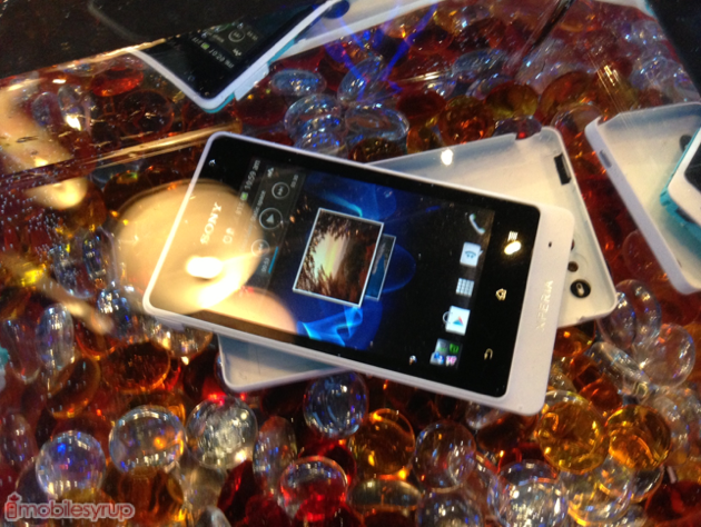 Quick hands-on with the Sony Xperia go, plus under water