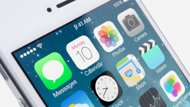 Apple says an update to iOS 7 is coming that will fix random home screen crashes