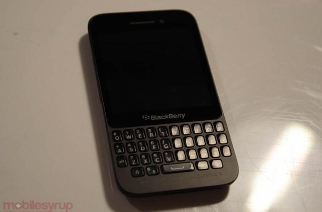 blackberryq5handson-2