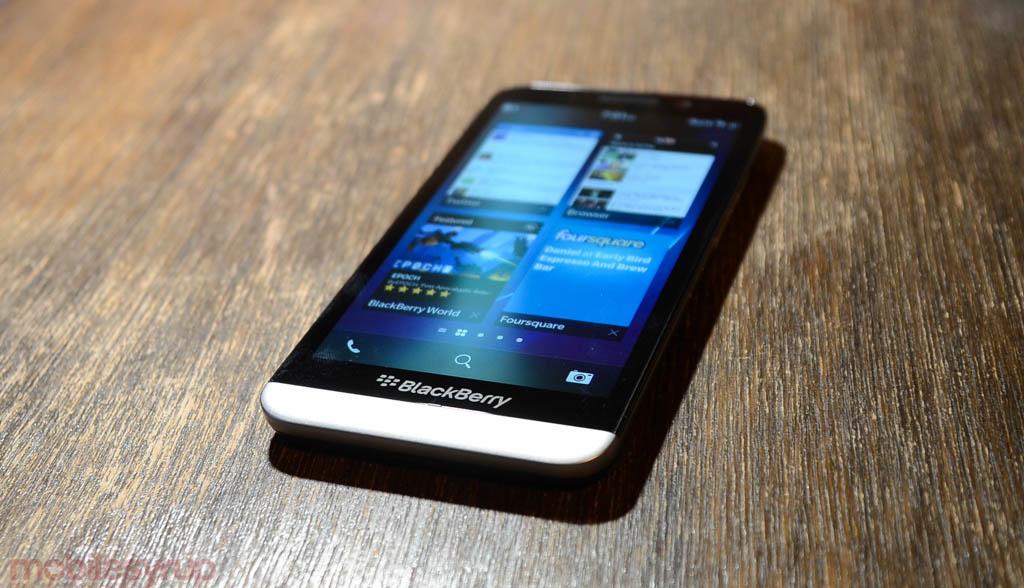 BlackBerry exec bashes Samsung, says the company is still 'battle testing its enterprise platform'