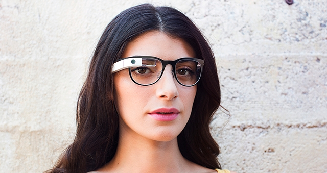 Google signs Glass deal with Ray-Ban and Oakley maker Luxottica