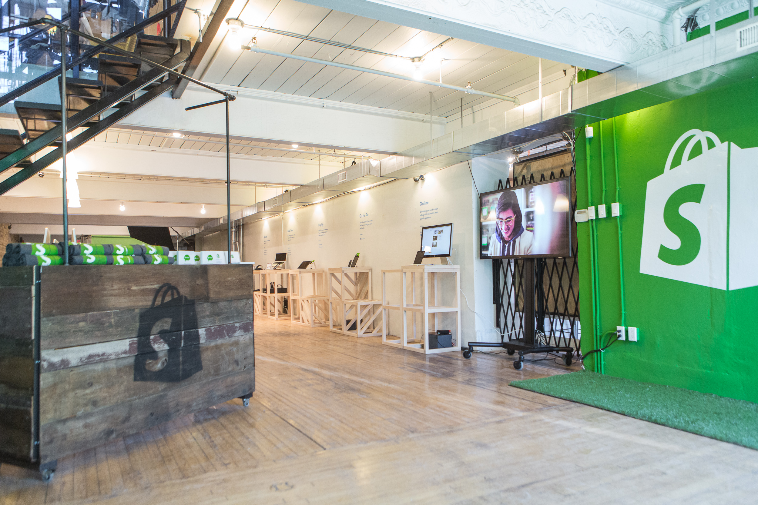 Shopify launches experiential learning program in partnership with Carleton University