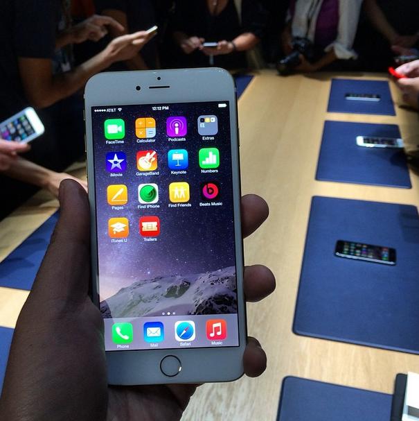 Iphone  Plus With Telus