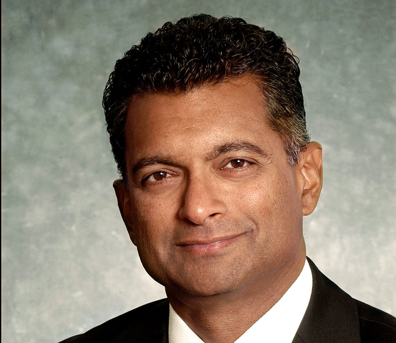 Rogers hires former Cisco Canada head as president of enterprise unit