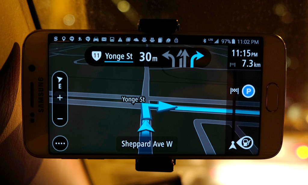 TomTom GO Review: Traffic relief for a price | MobileSyrup