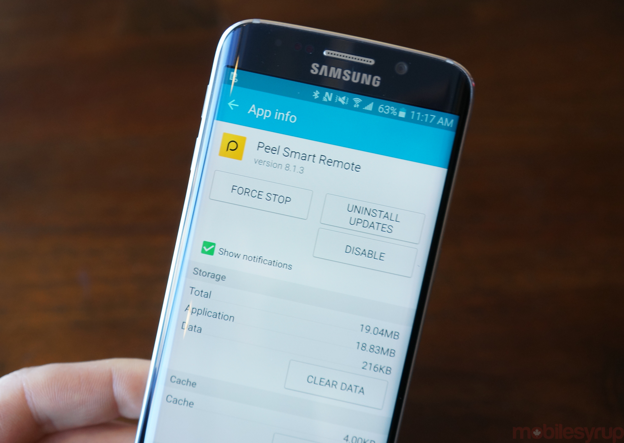 Sorry, Samsung won't let you remove most apps from the