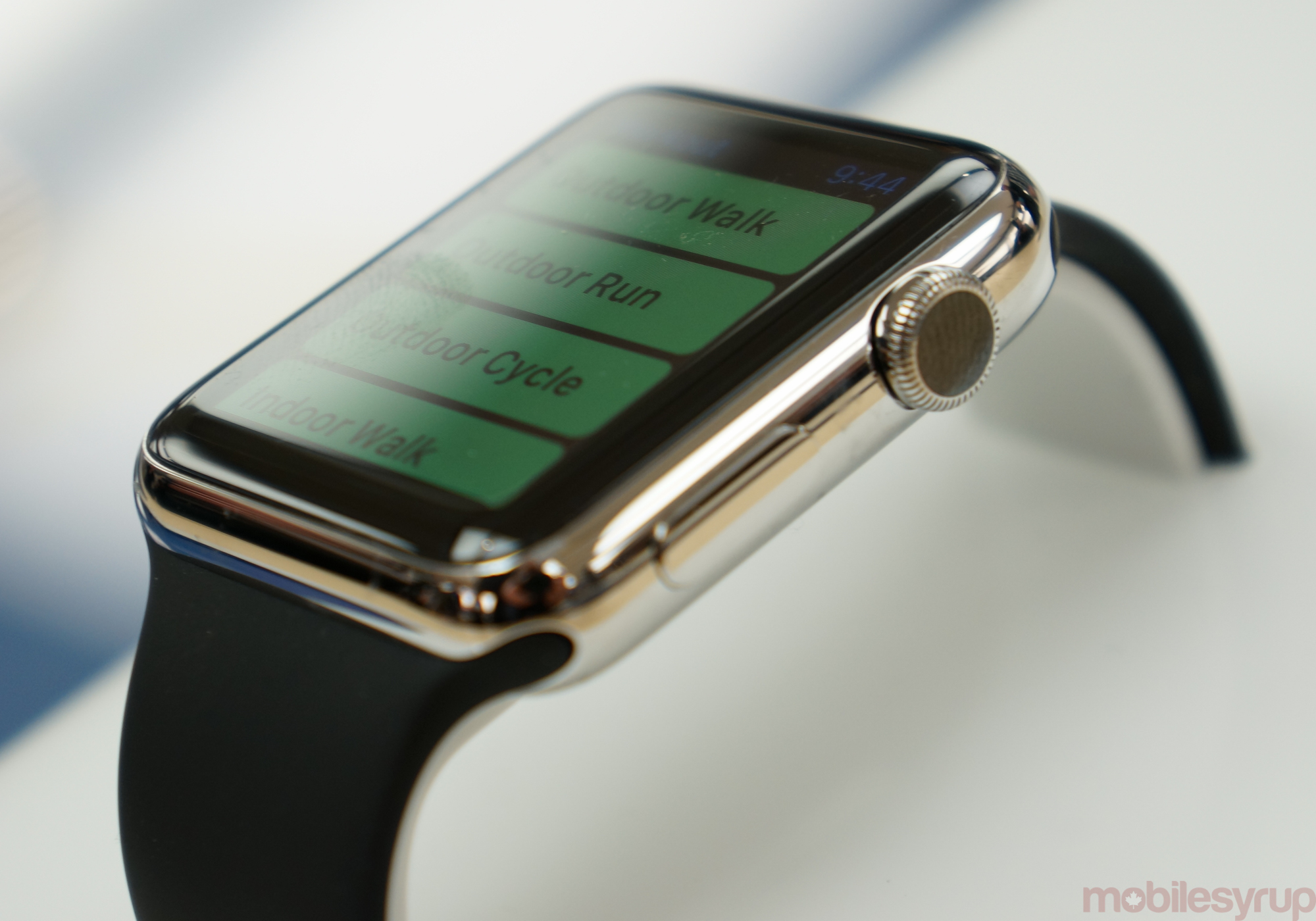 Scotiabank brings Apple Watch support to its iOS app