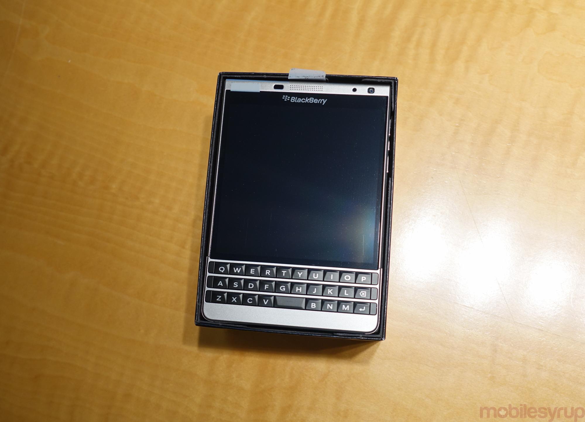 blackberrypassportsilveredition-00831