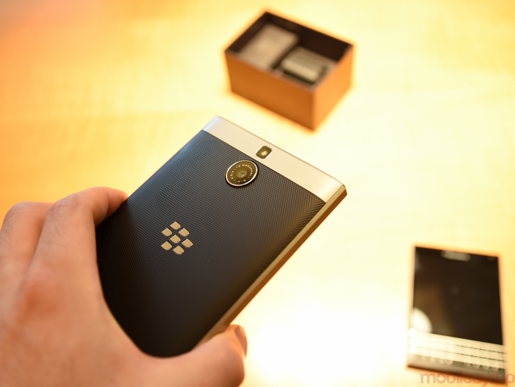 blackberrypassportsilveredition-0327