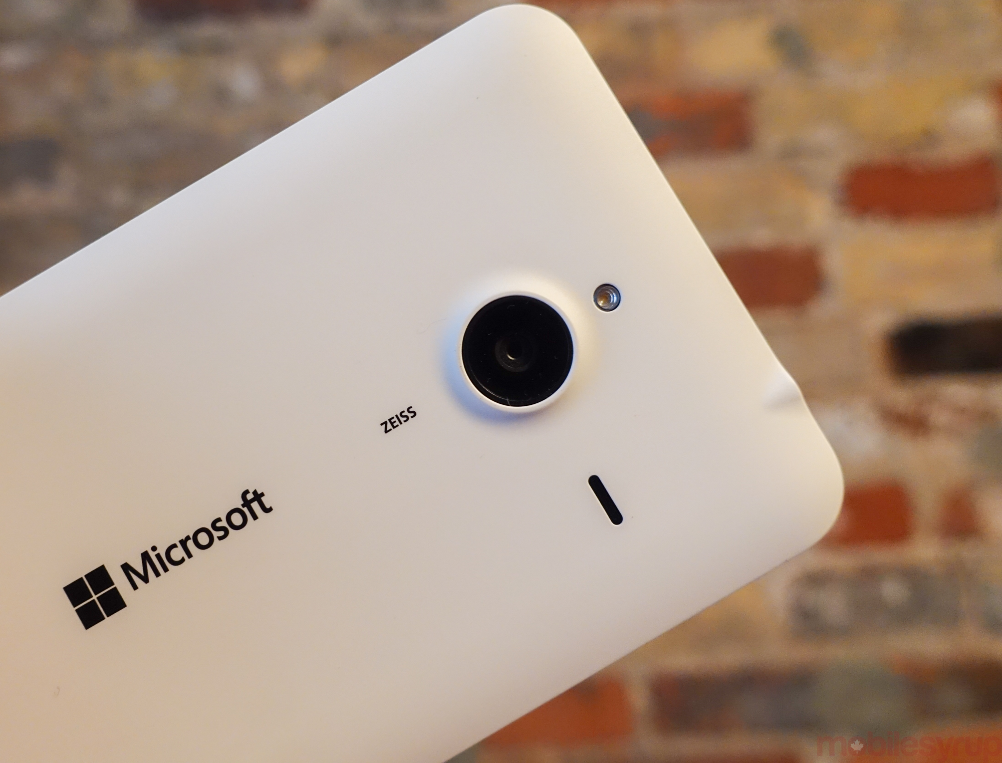 New details leak about upcoming Windows 10 Mobile devices