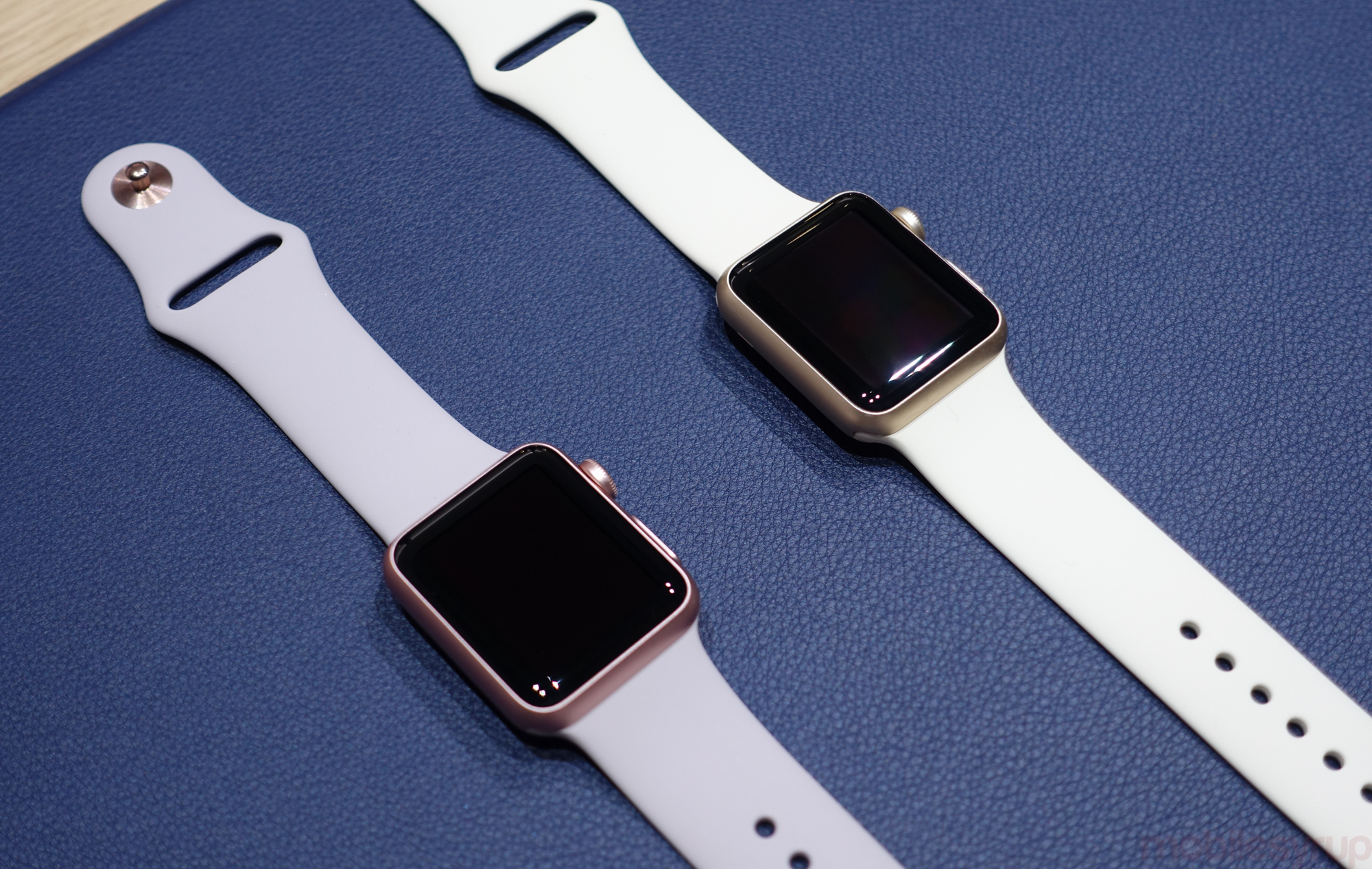 Hands On New Gold And Rose Apple Watch Cases Add More 2 Series 42mm Aluminium With Midnight Blue Sport Band Personalization To Apples Wearable Mobilesyrup