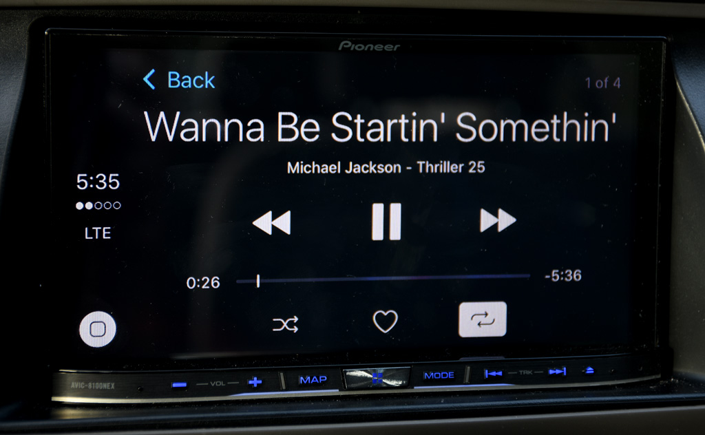 CarPlay playback screen_1