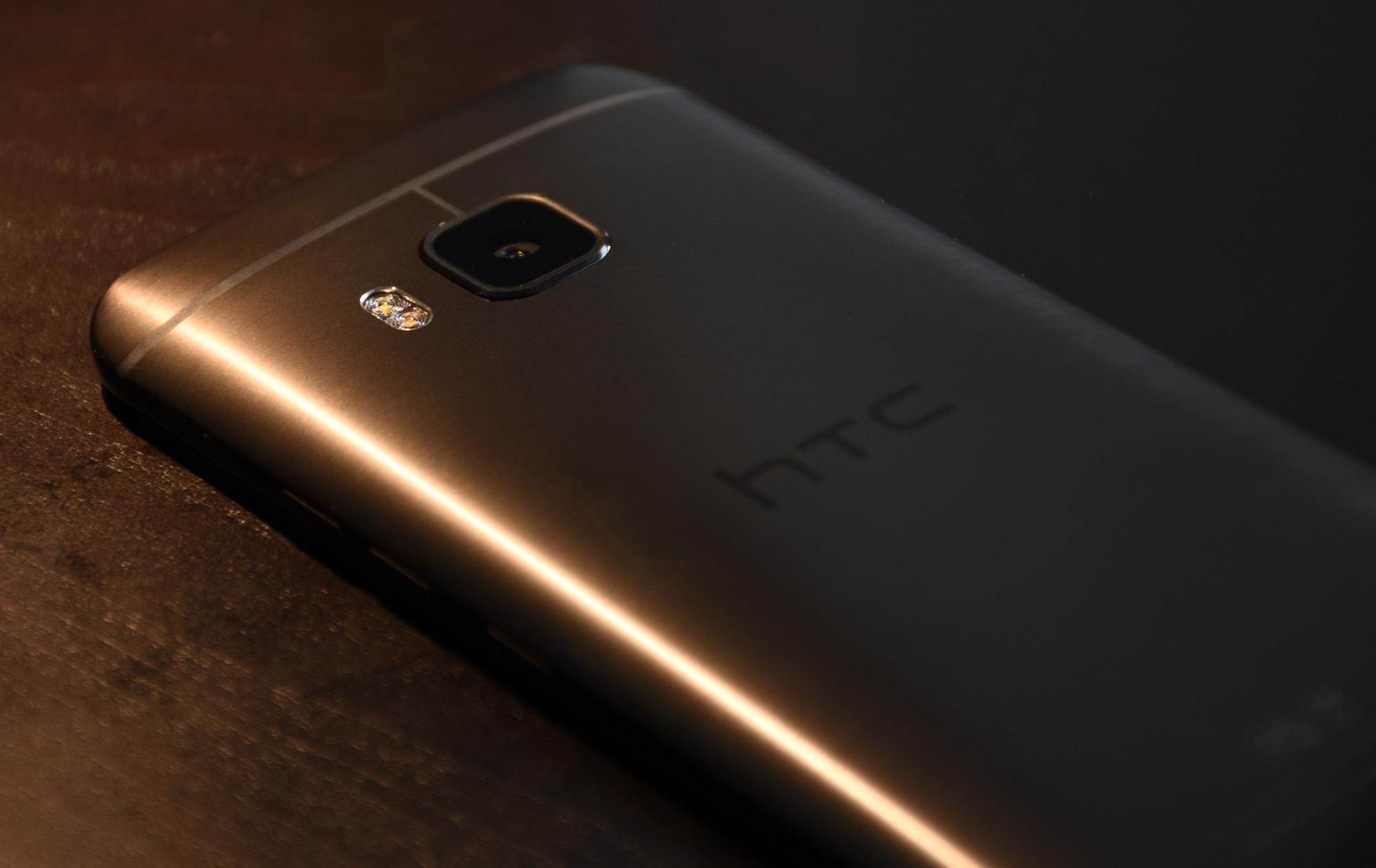 HTC One M9 laid down