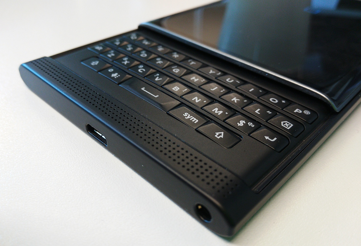 The Blackberry Priv Can Now Be Reserved At Rogers Here Is