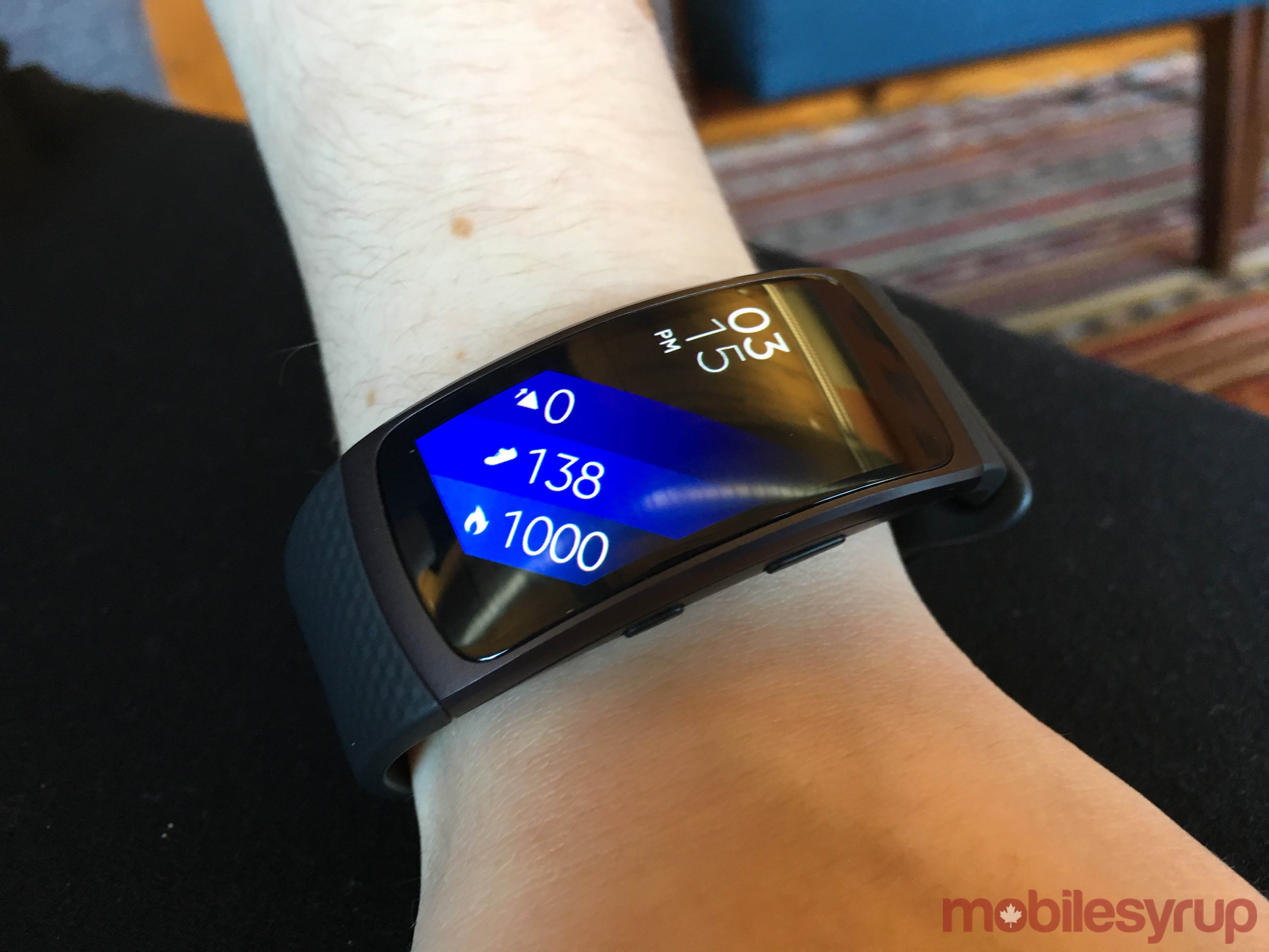 Samsung gear fit 2 gear iconx hands on putting fitness at the top - The Fit2 Which Comes In Blue Black And Pink Is Attractive For A Fitness Tracker As Long As You Choose Correctly Between The Two Sizes Small For Wrists