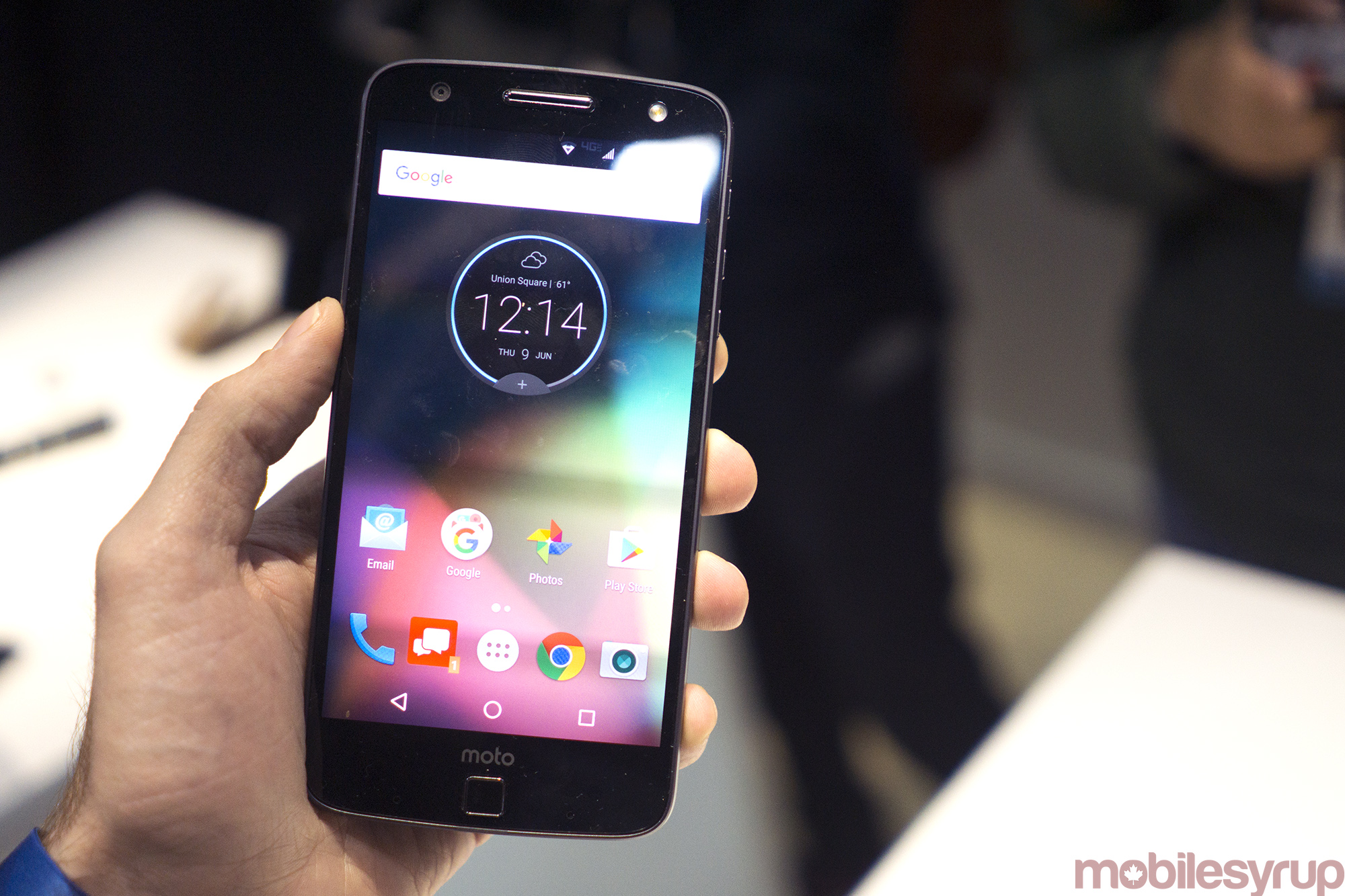 Moto Z will cost $900 off contract when it launches in Canada