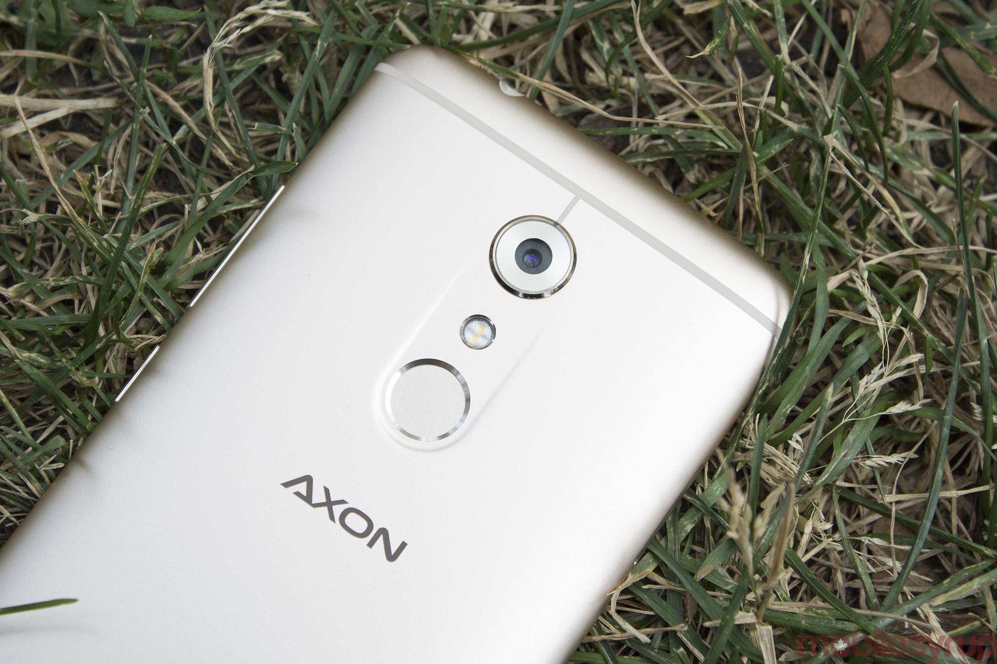 axon-7-3