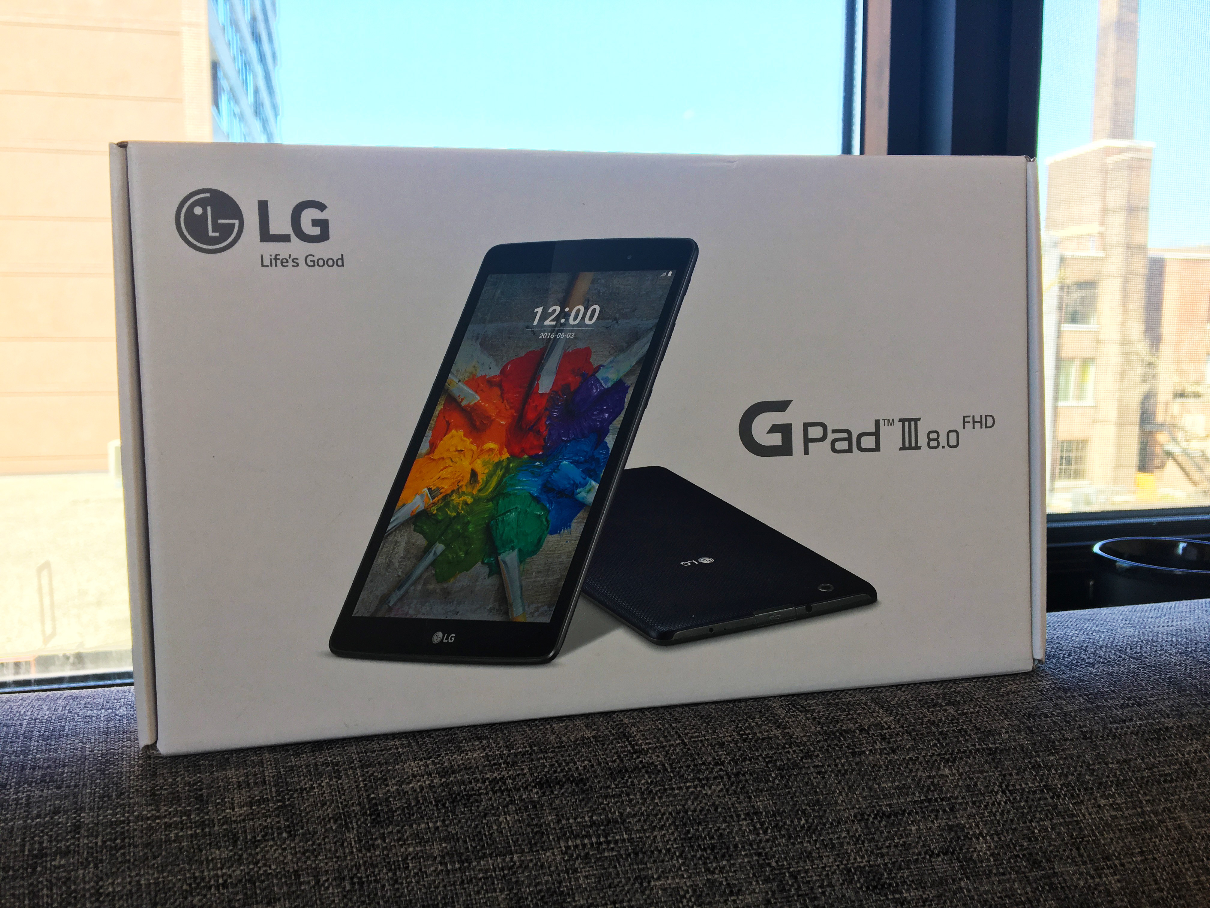 LG G Pad III 8.0 tablet box