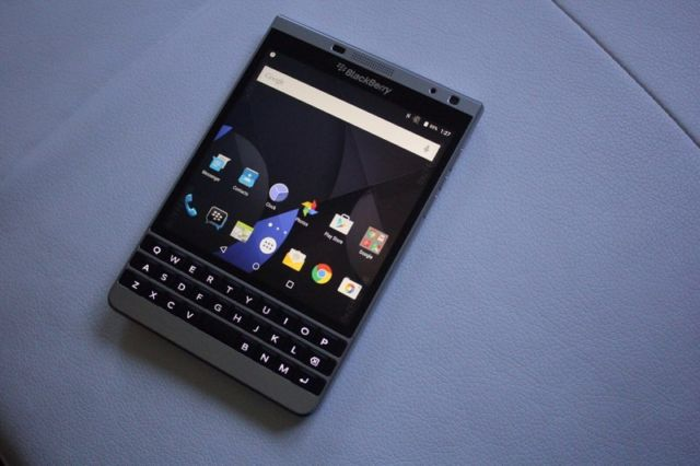official photos 8deb4 b0e6a Rare Android-powered BlackBerry Passport Silver Edition appears on ...