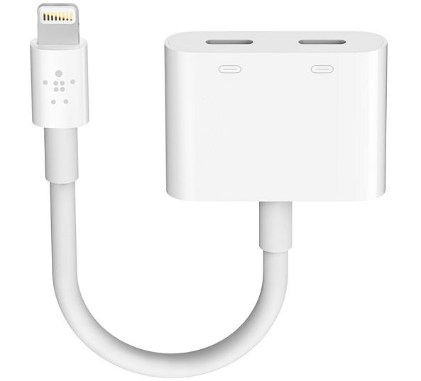 super popular dbc32 066e9 You'll need this $40 Belkin dongle to charge the iPhone 7 while ...