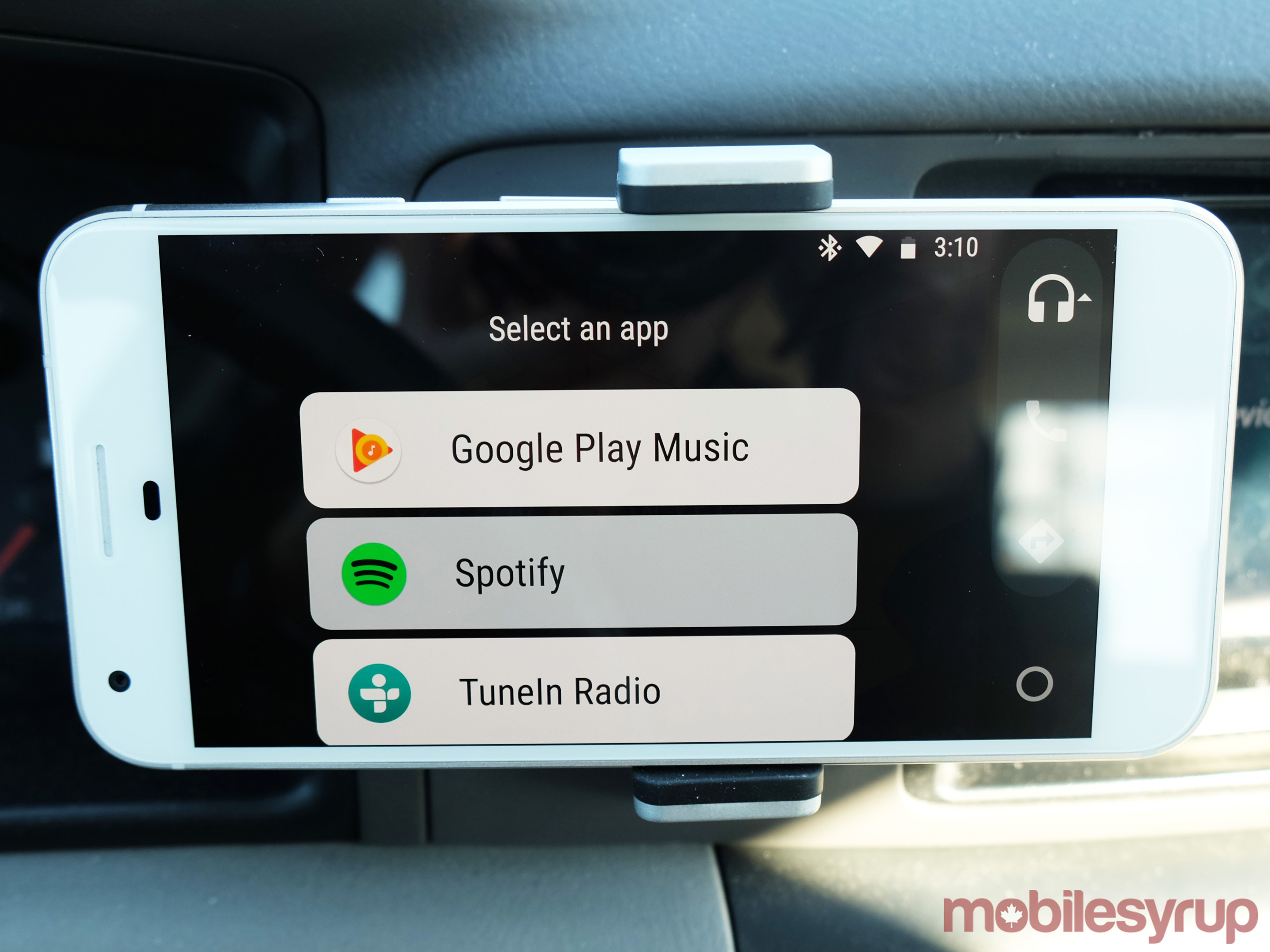 Android Auto 2 0 review: Google bridges the infotainment gap
