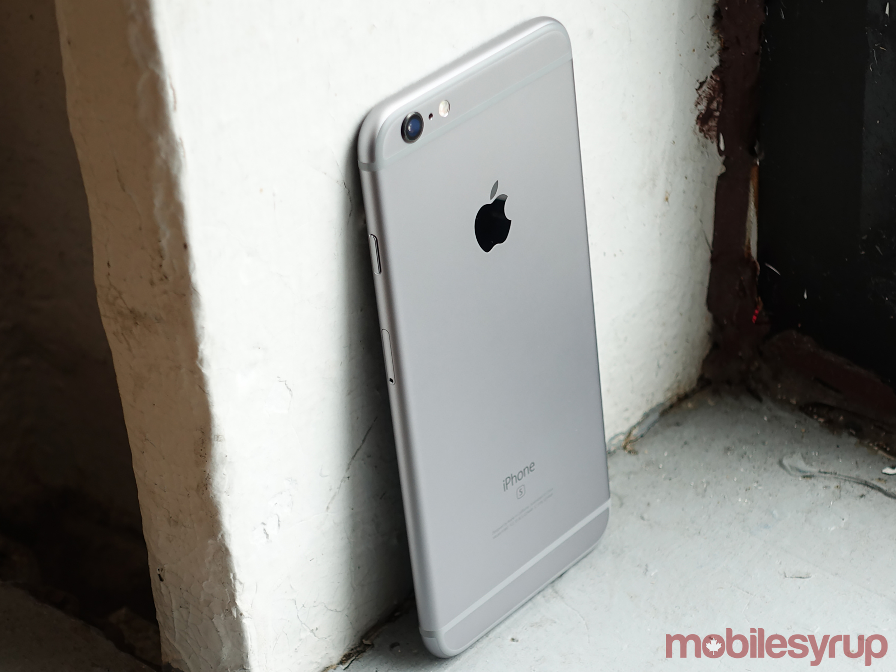 iphone 6 battery problems apple says iphone 6s battery issues were caused by 14937