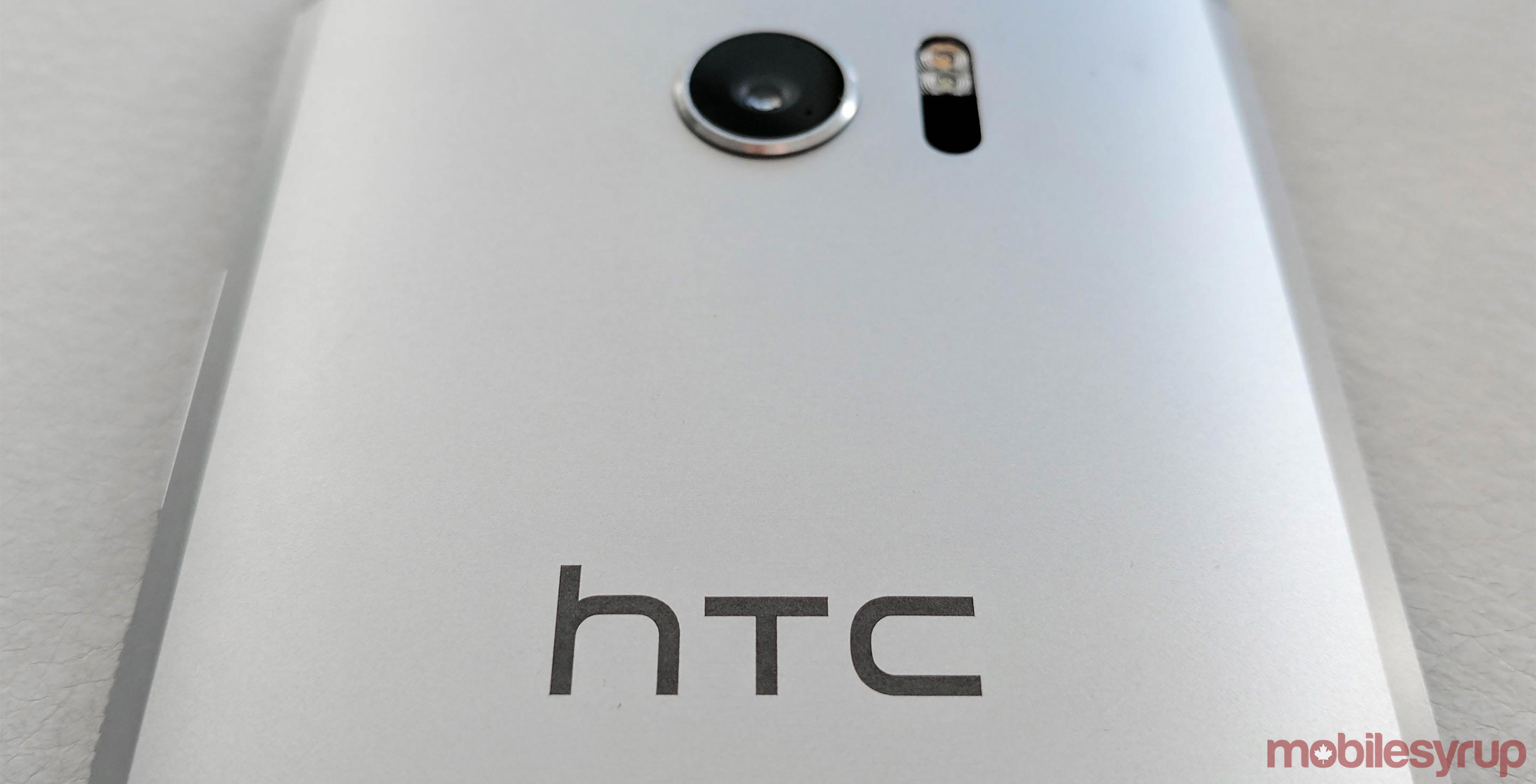 HTC says it's not making an Android Wear smartwatch