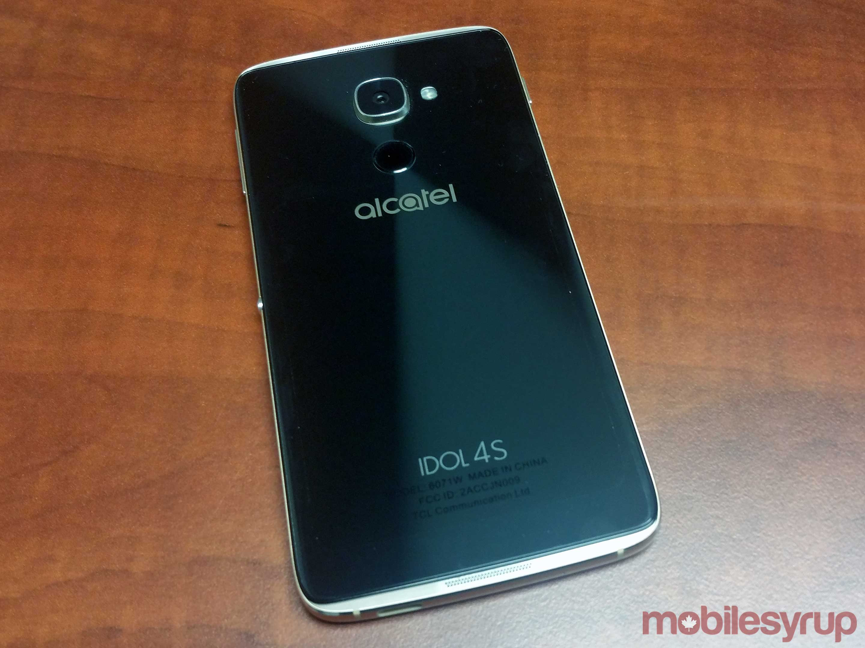 Alcatel Idol 4S back
