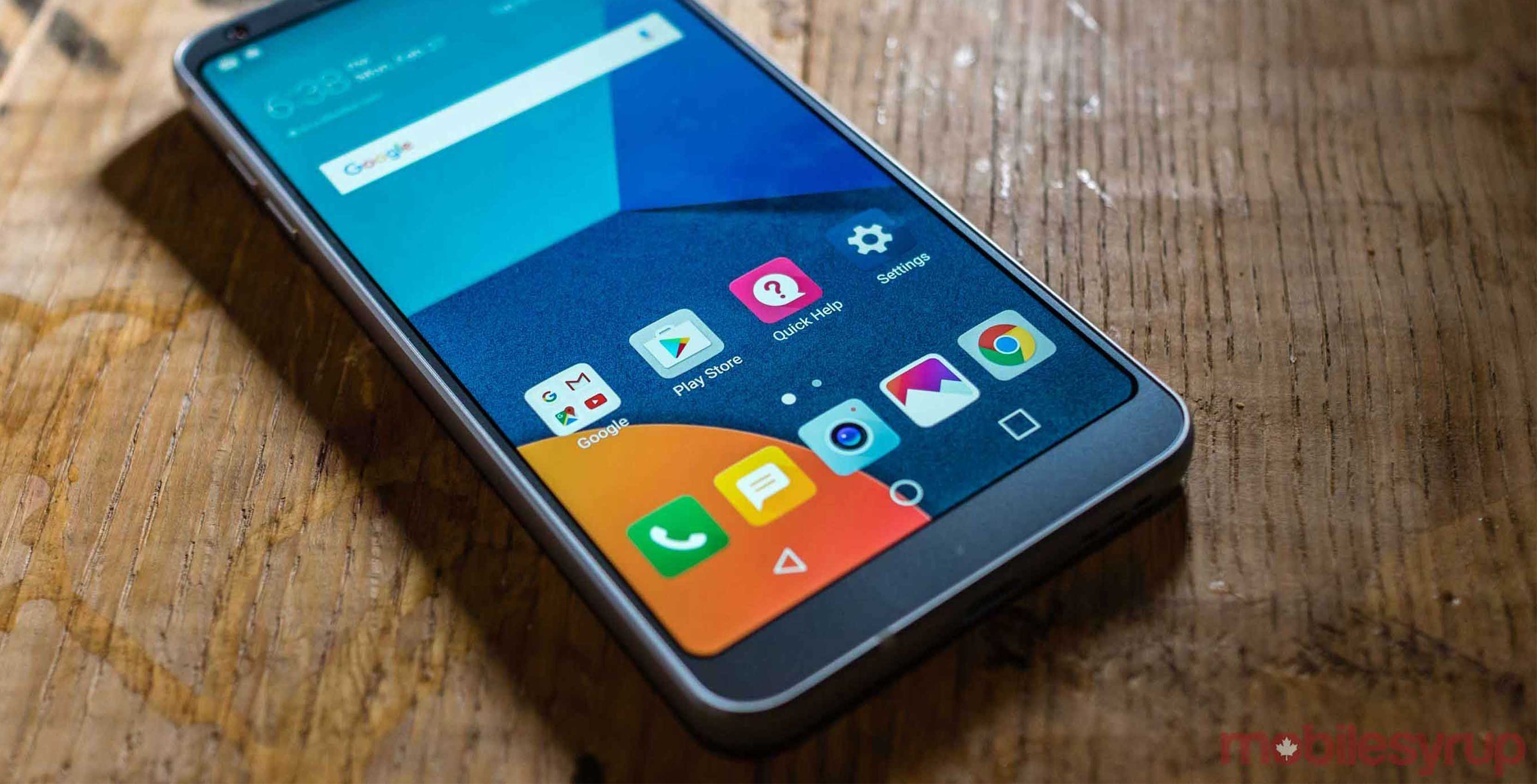 lg g6 on table