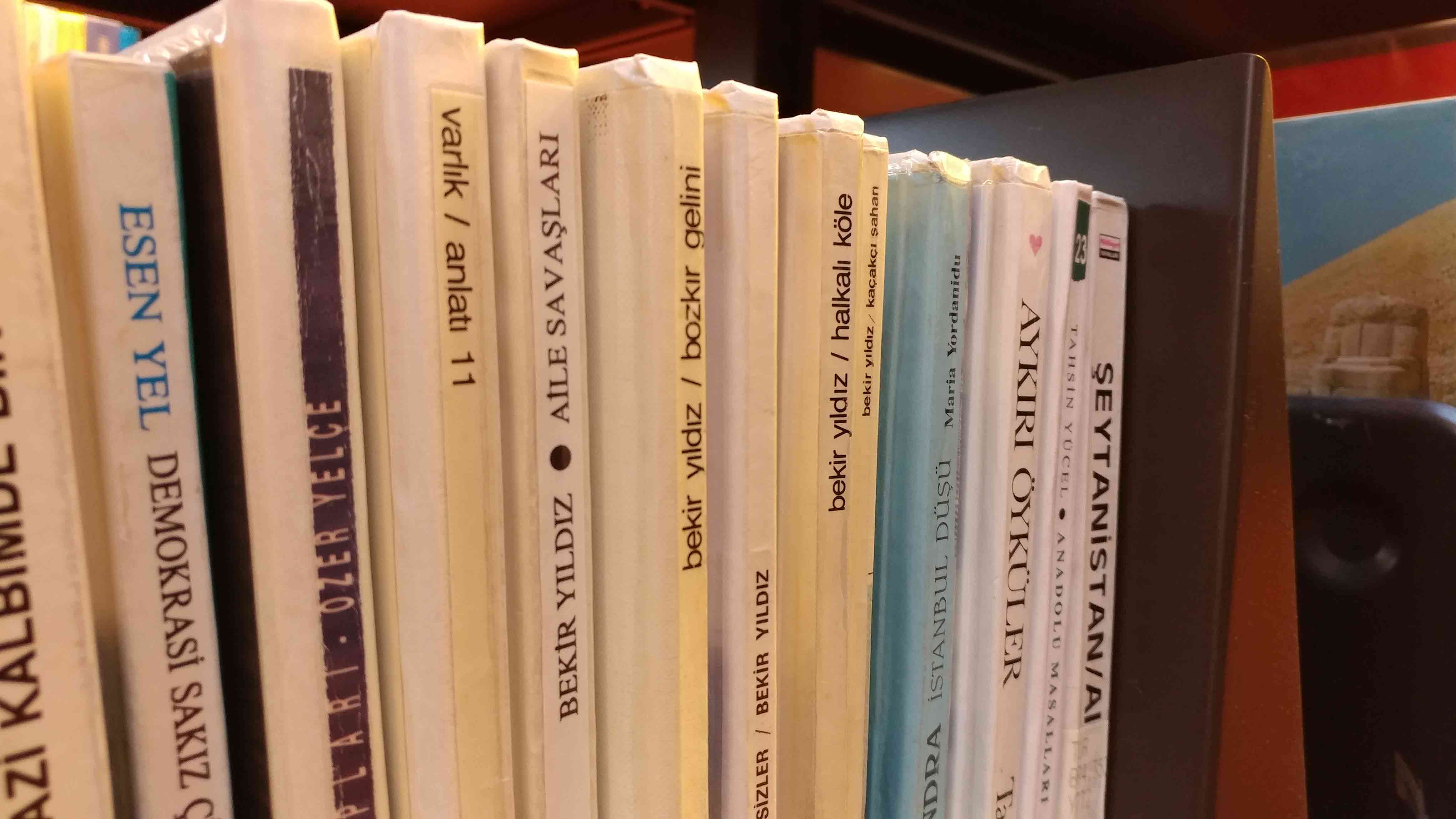 lg-v20-books-reg-1