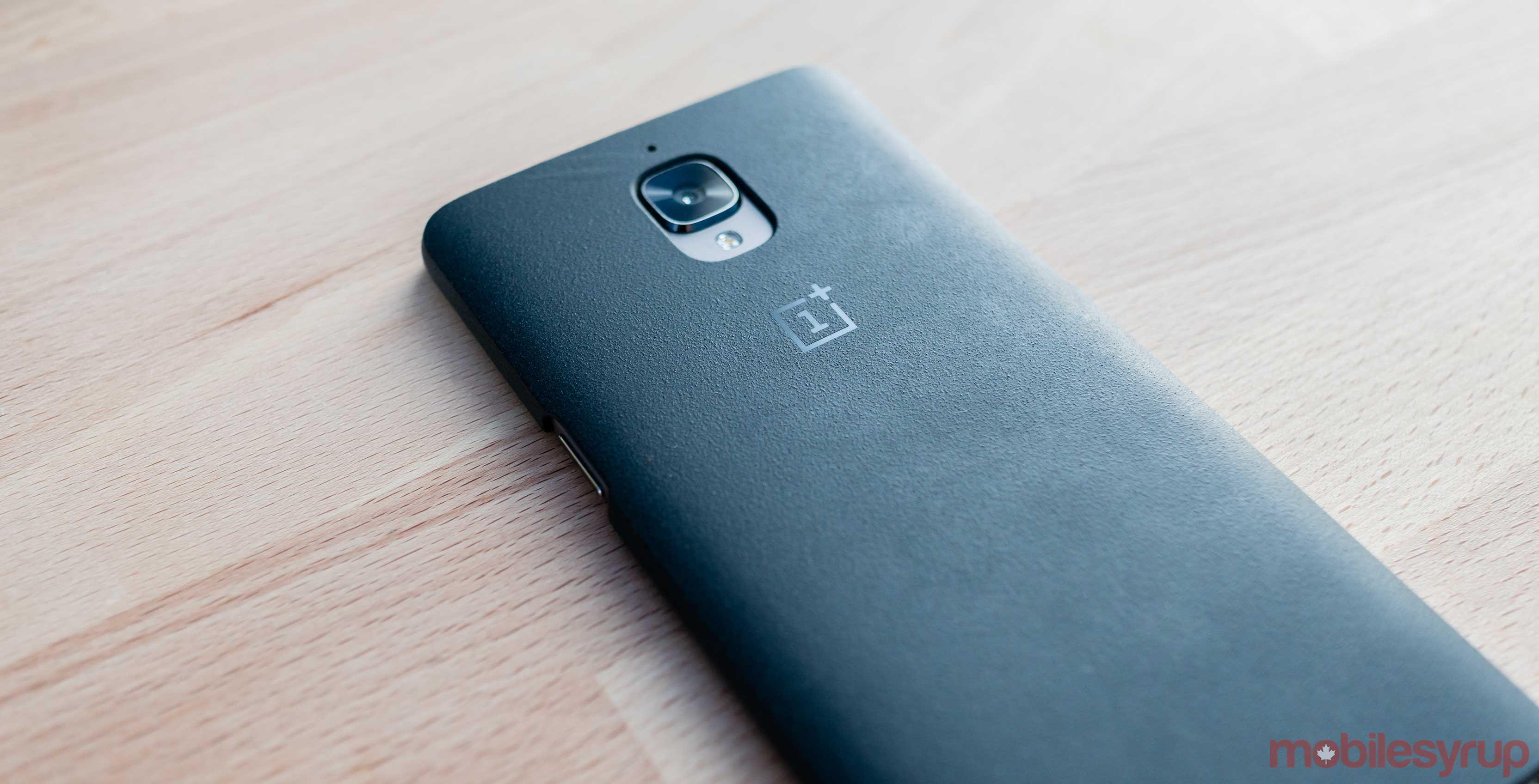 OnePlus 3T back of phone