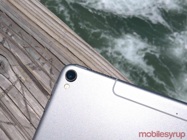 10.5-inch iPad Pro camera