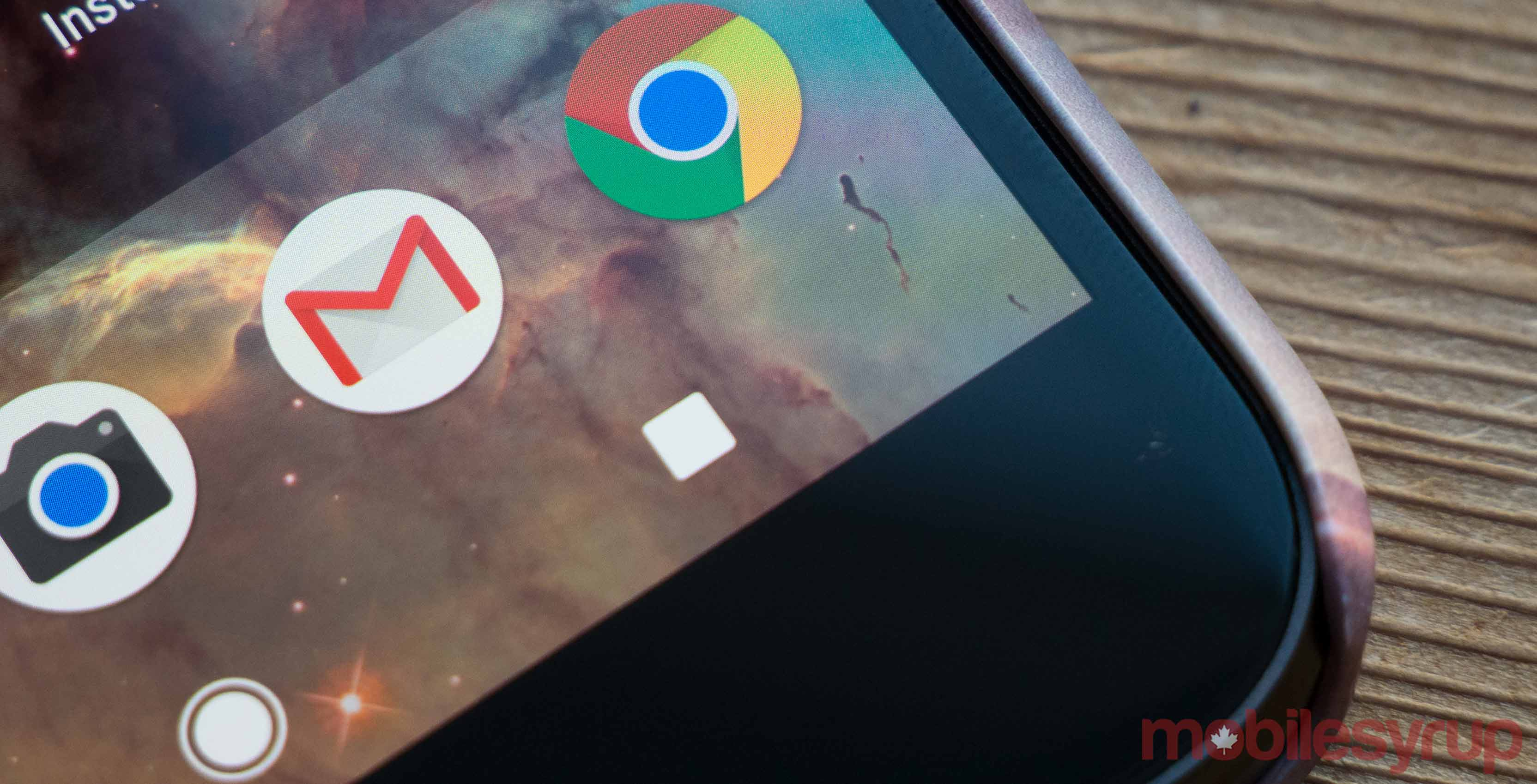 An image showing the camera, Gmail, and Chrome apps