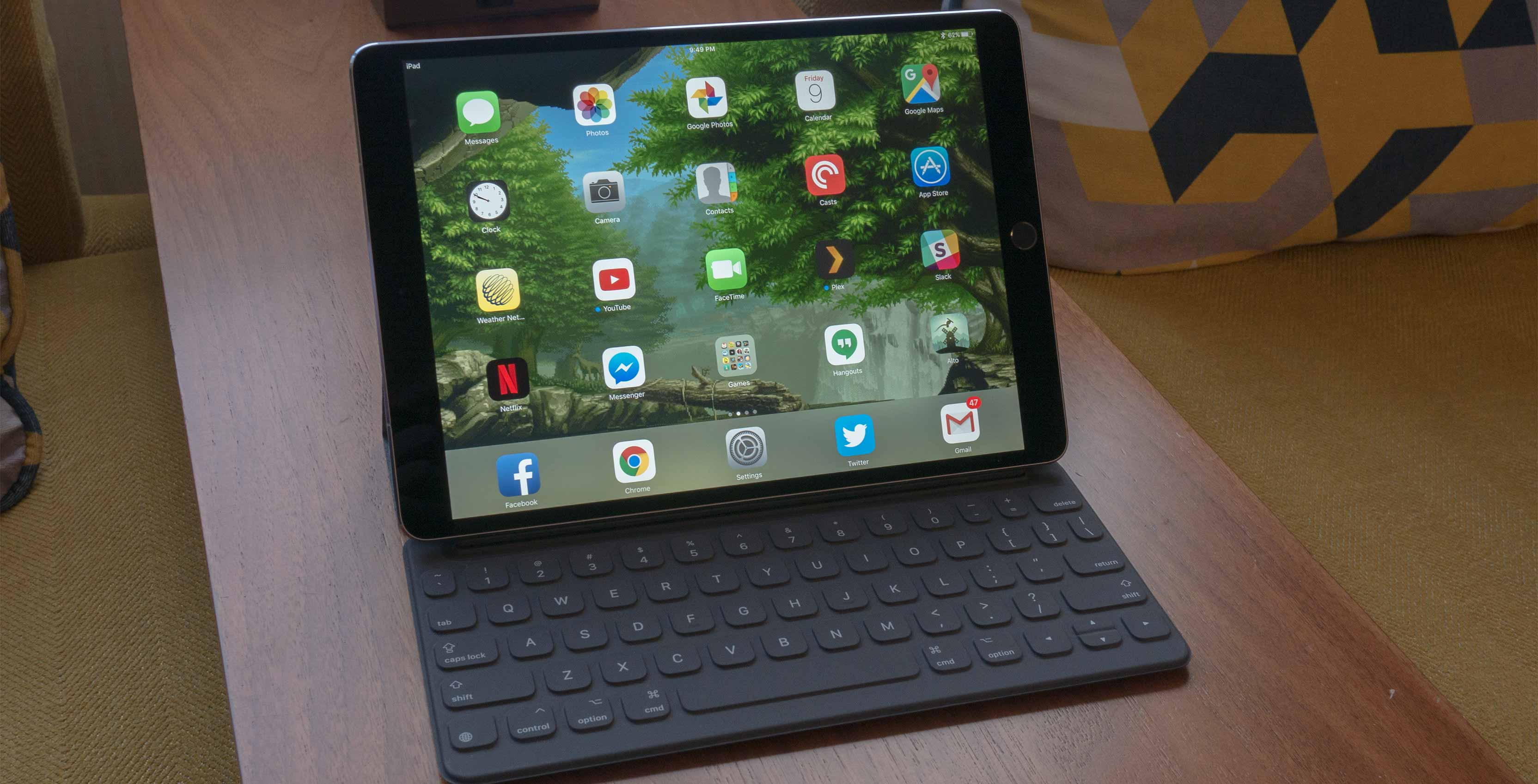 10 5 inch ipad pro review approaching the 39 surface 39. Black Bedroom Furniture Sets. Home Design Ideas