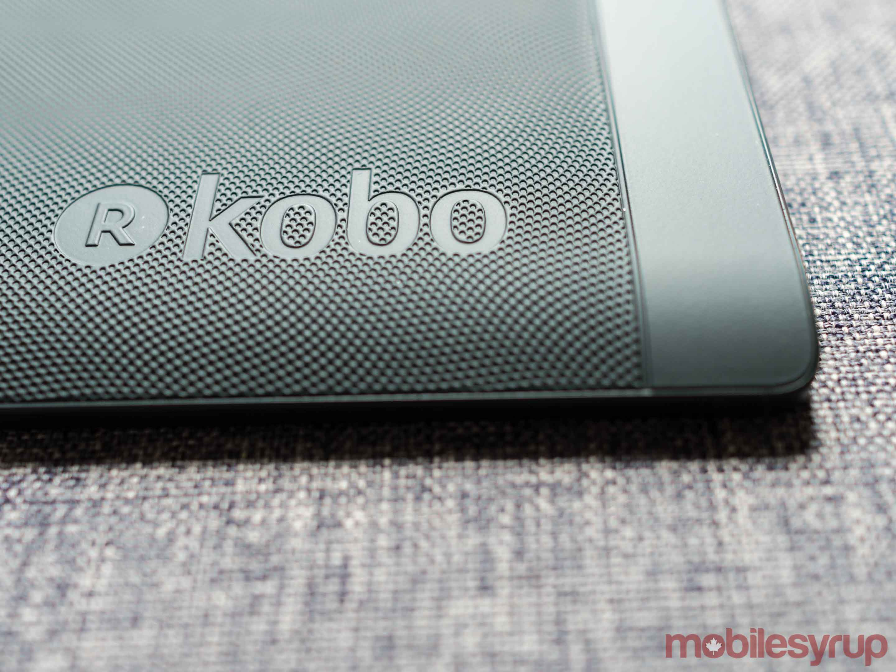 Kobo Aura H2O review: A waterproof e-reader for everyone else