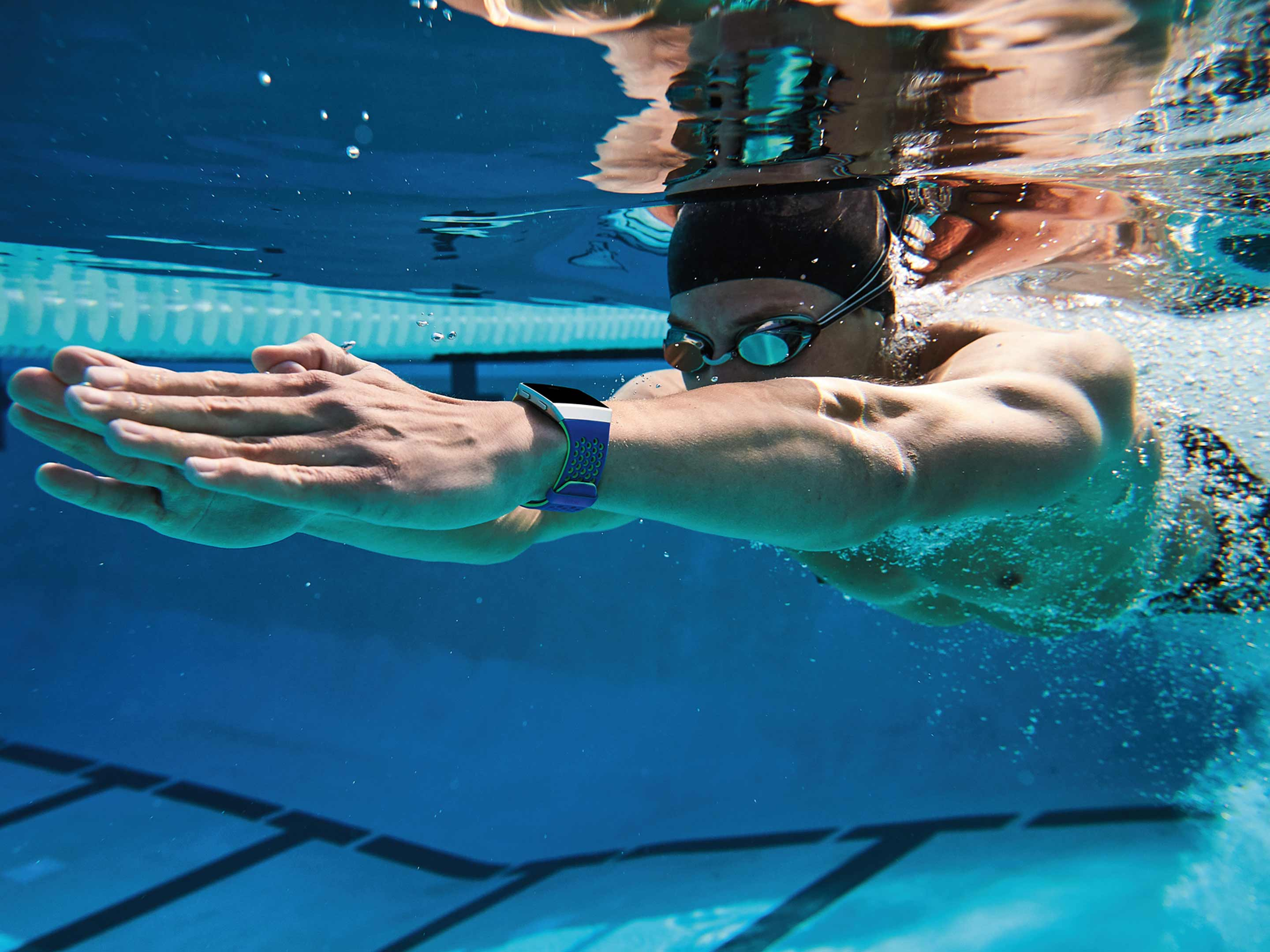 Swimmer using Fitbit Ionic