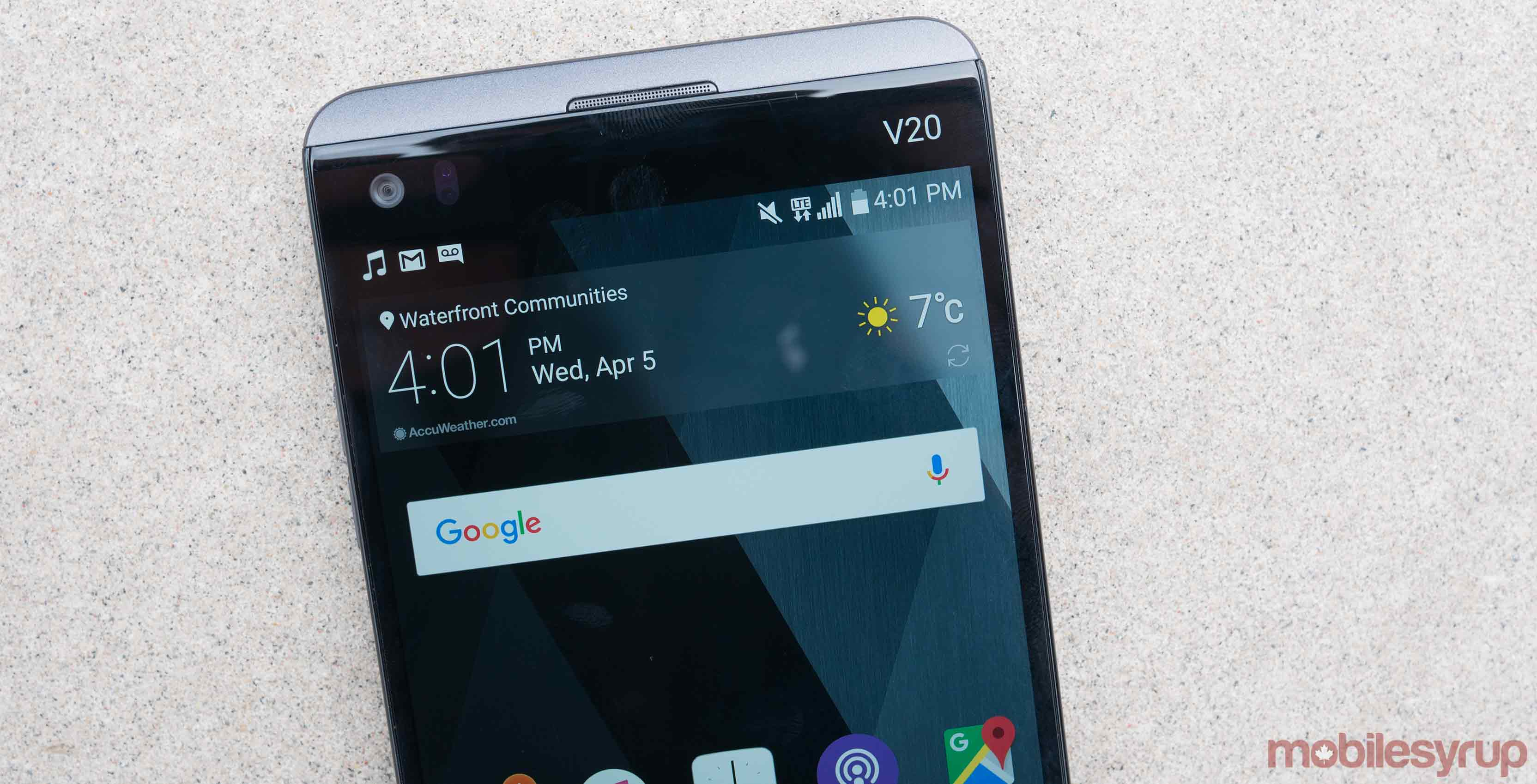 Alleged owner's manual of the LG V30 reveal a slightly raised display