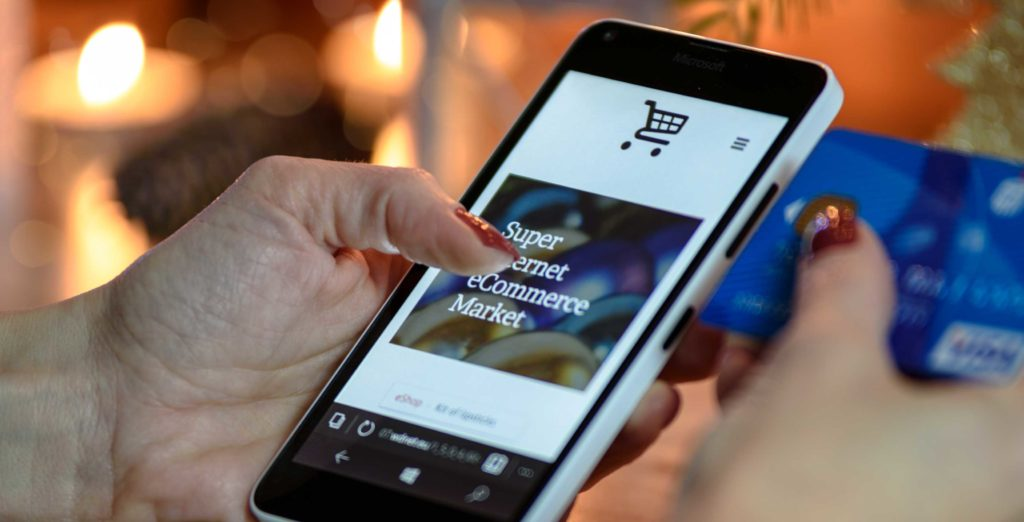 More than half of Canadian consumers use smartphones to make online purchases, survey shows