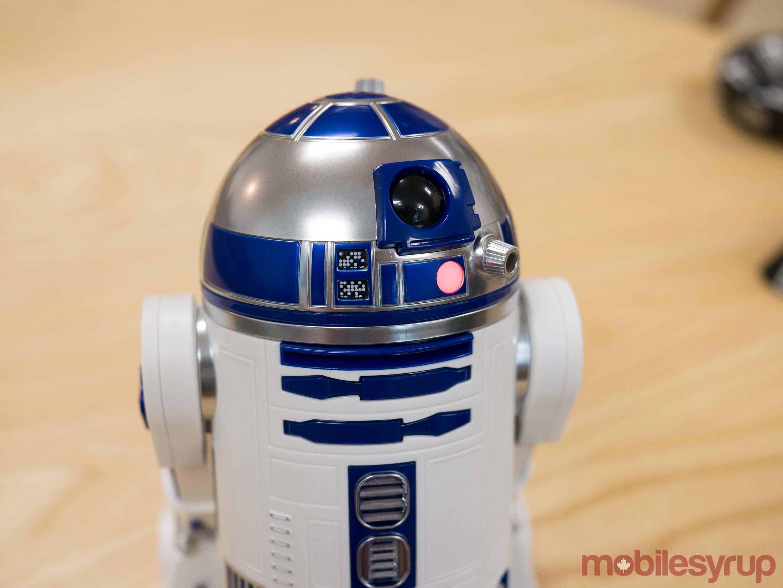 R2-D2-close-up