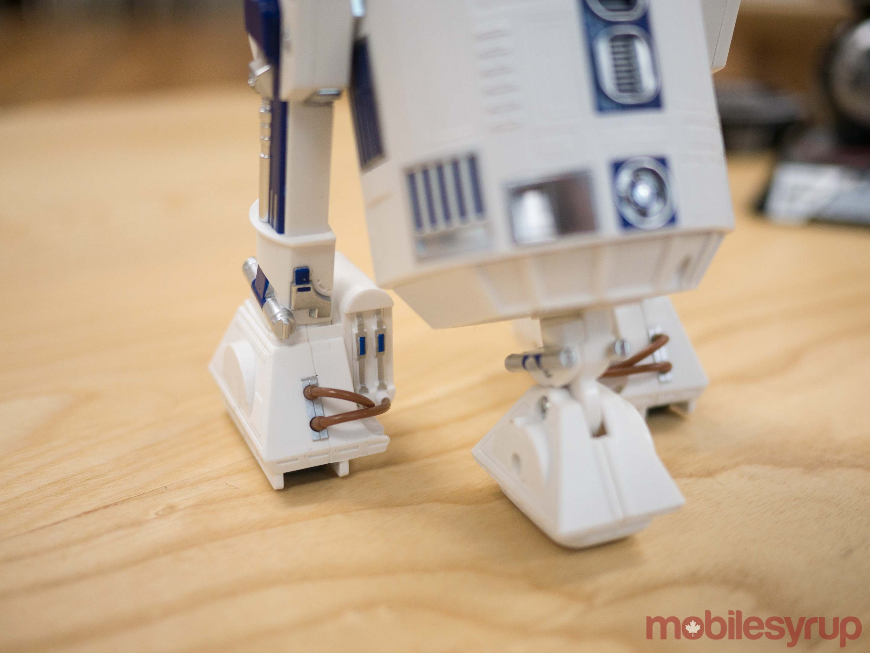 R2-D2 legs