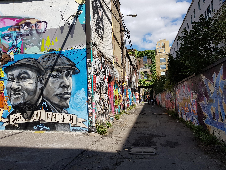 Graffiti Alley Note 8