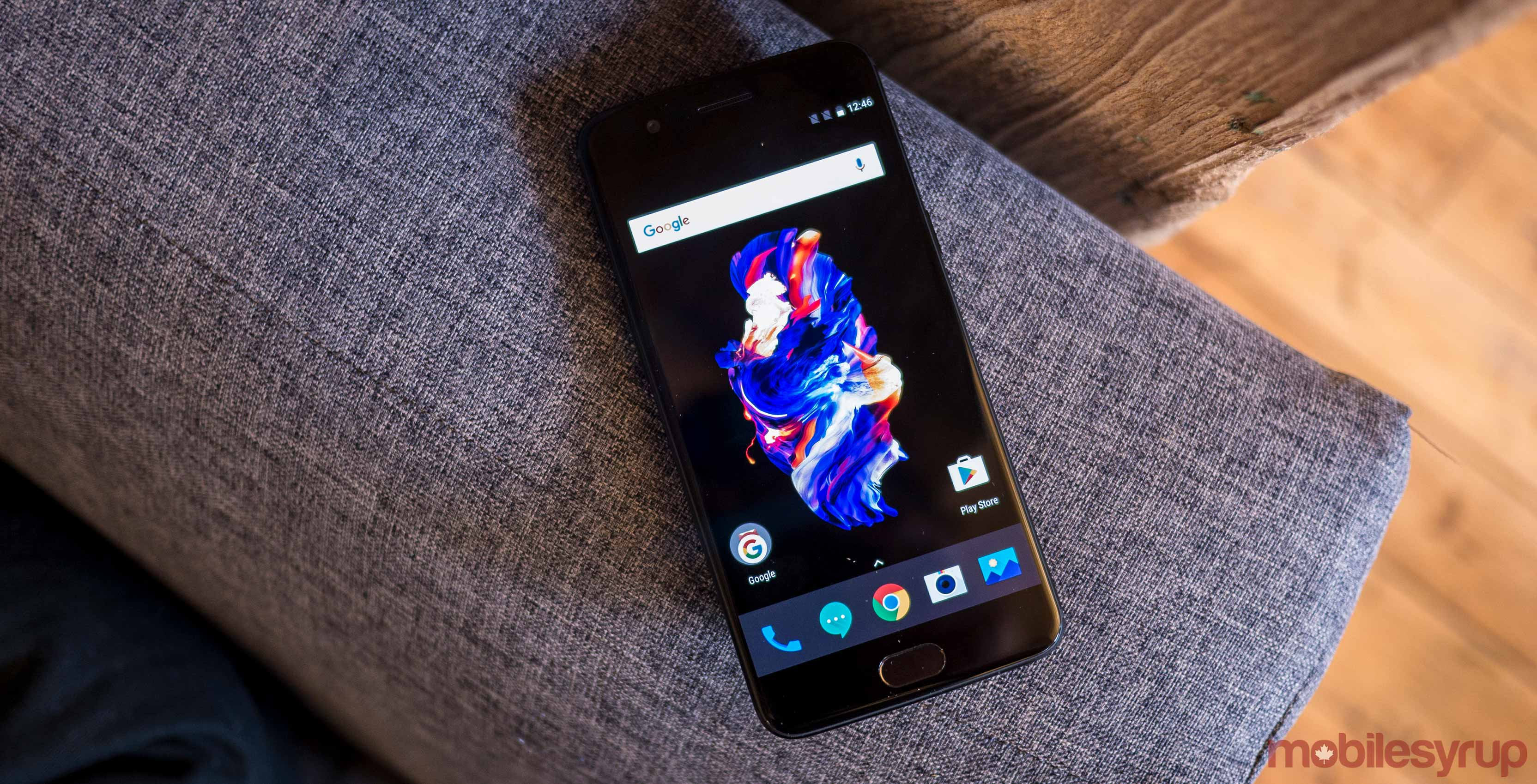 OnePlus 5 on the couch