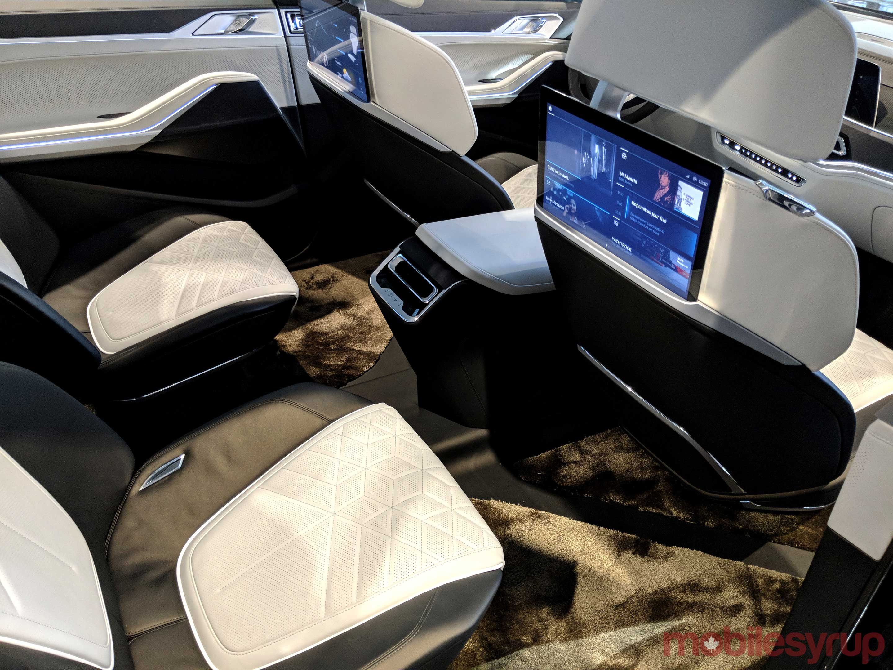 BMW Concept X7 back seat