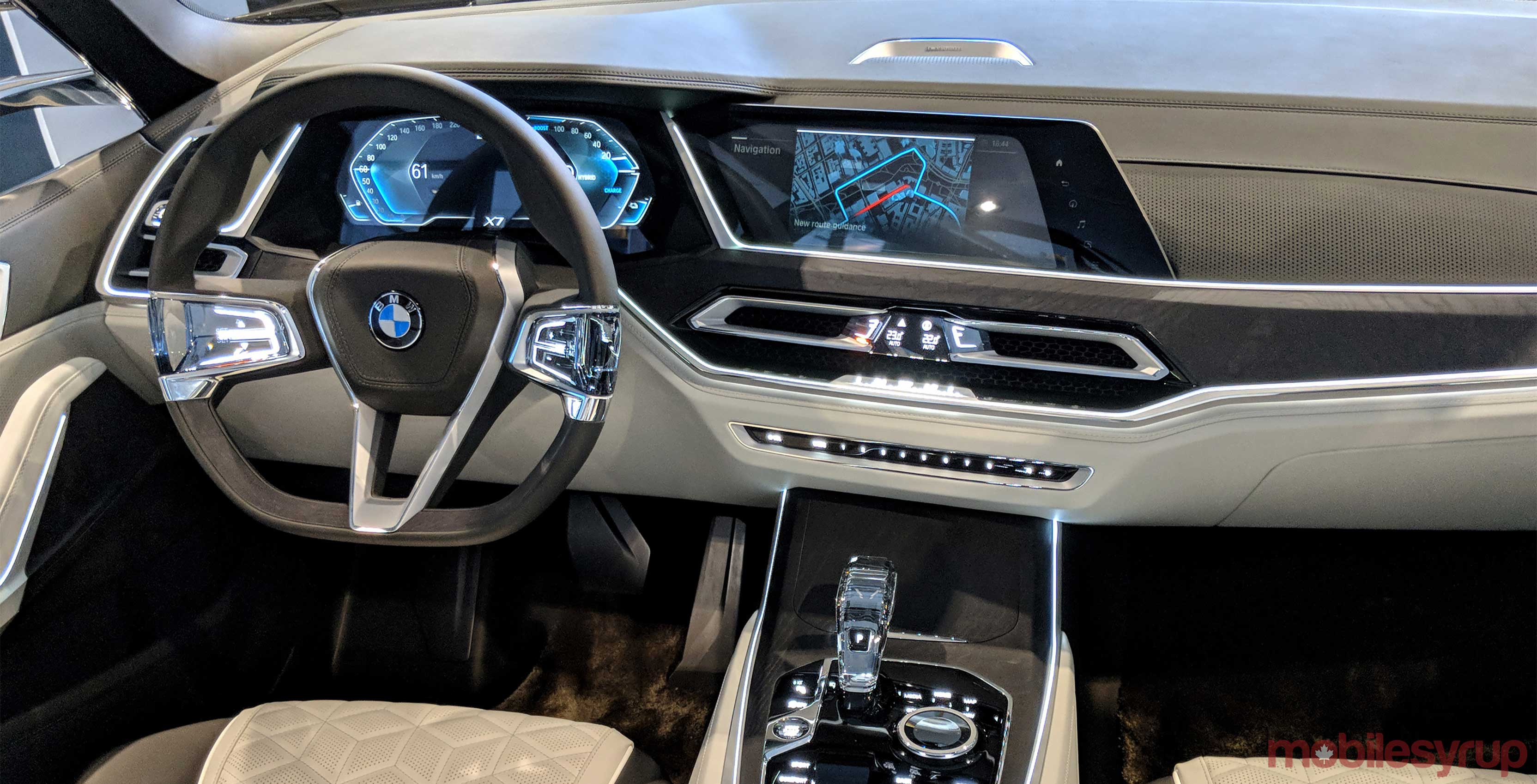 Bmw Showcases Concept X7 Iperformance Vehicle