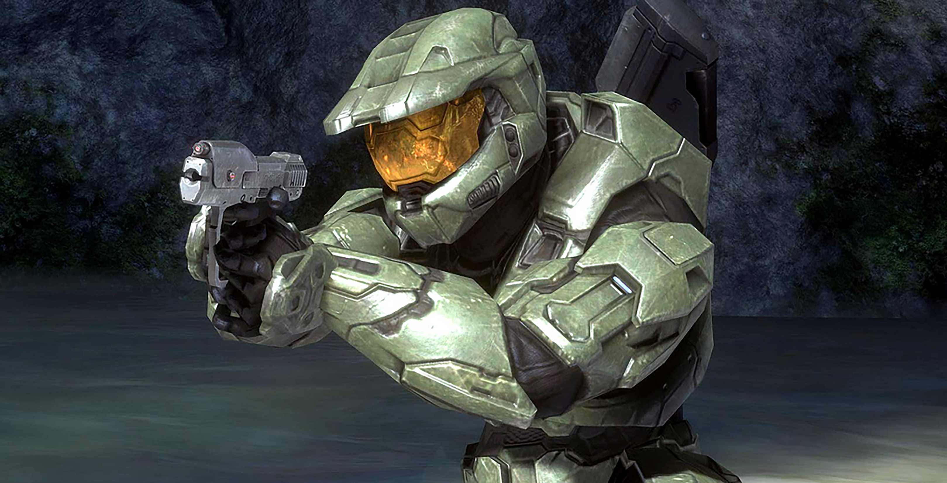Master Chief with a pistol