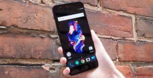 OnePlus en la mano