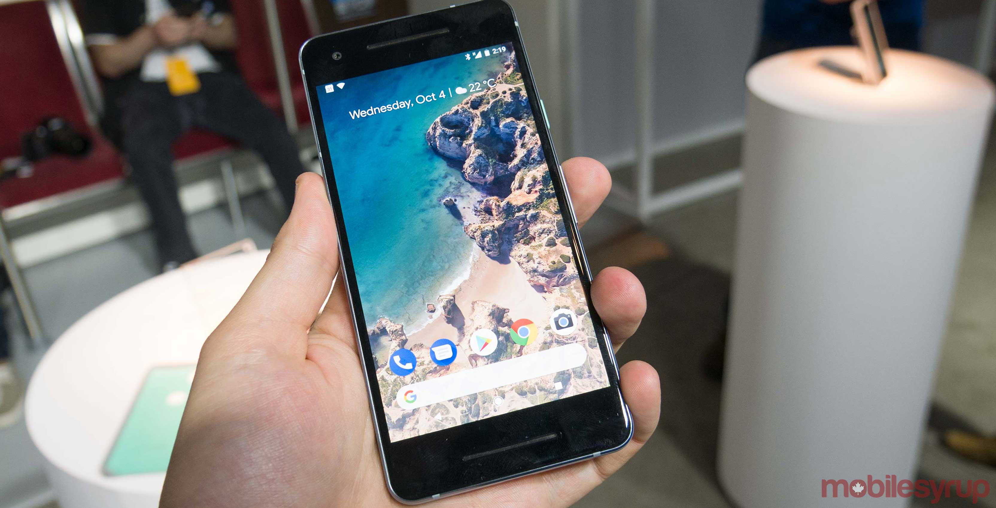 Pixel 2 Launcher APK allows almost any Android phone to add a bottom