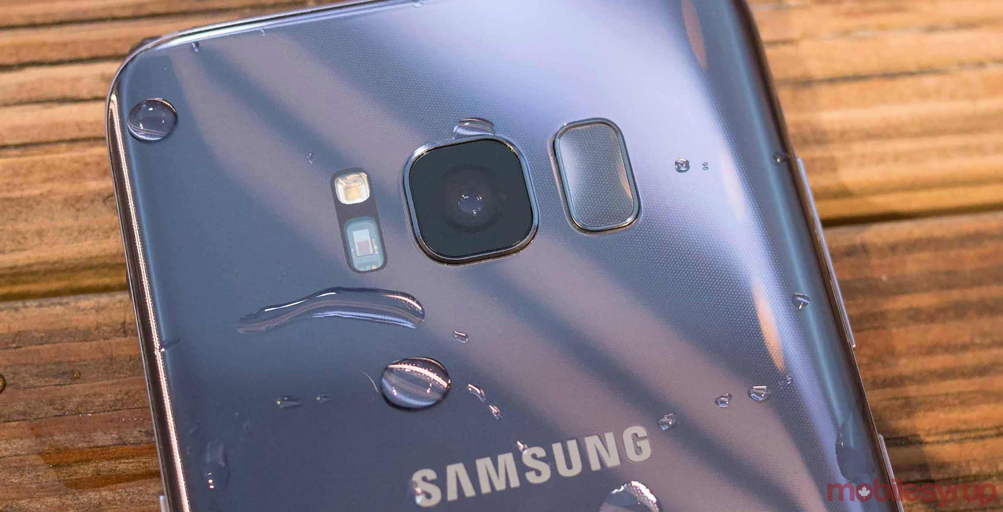 samsung galaxy s8 camera and fingerprint sensor