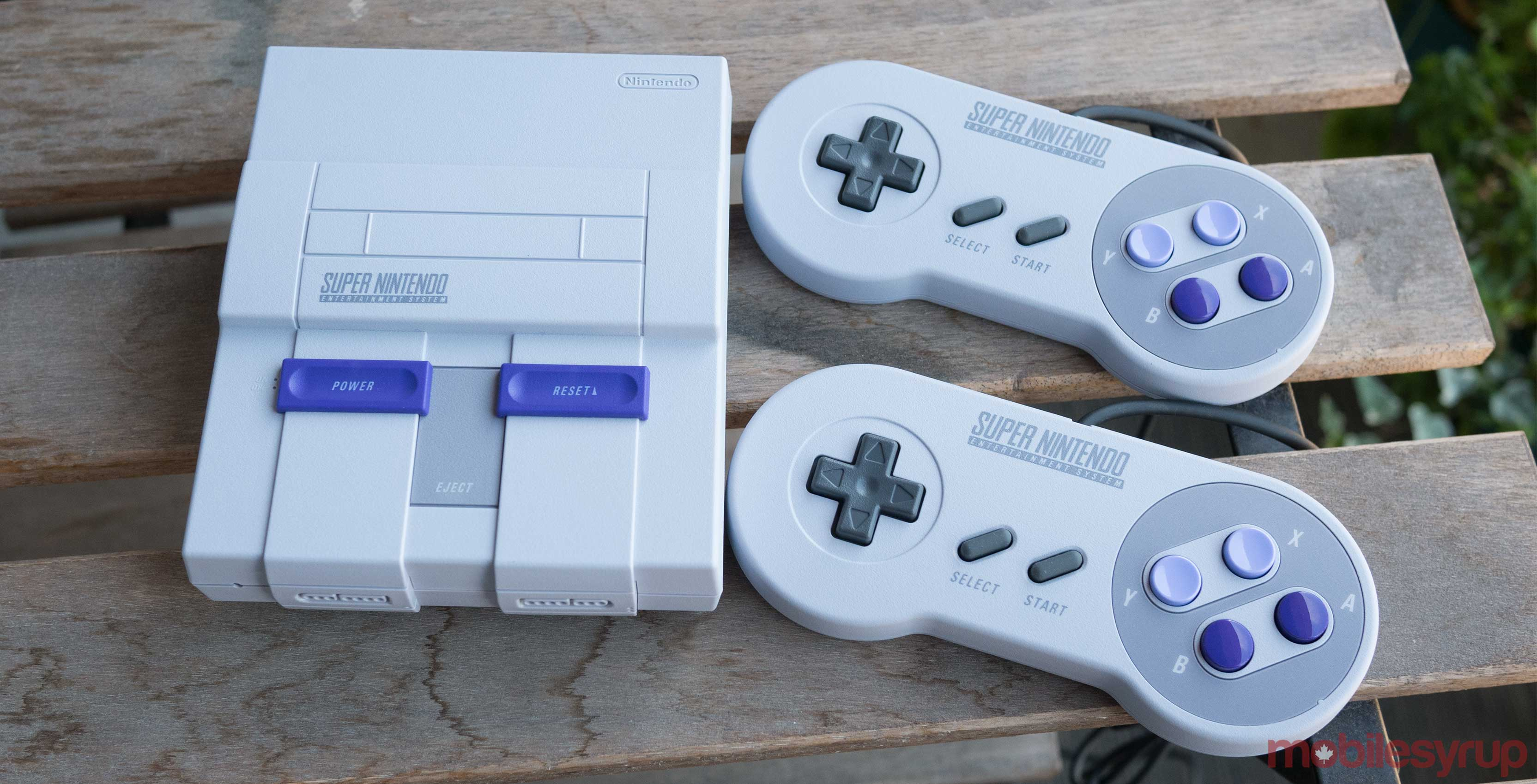 SNES Classic Edition with remotes